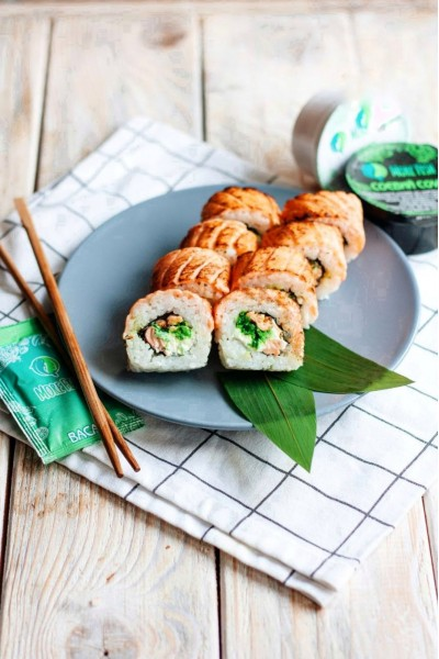 Roll Grilled salmon