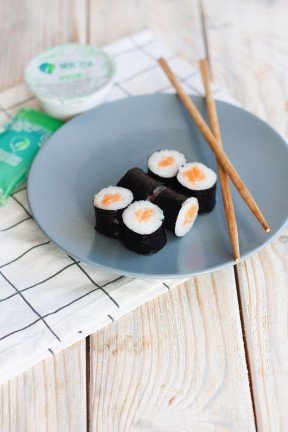 Maki Roll with Salmon